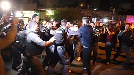 East Jerusalem: Clashes, arrests at protest against evictions of Palestinian families in Sheikh Jarrah