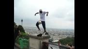 Магьосник с топка - Ия Траоре в Париж