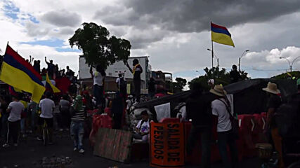 Colombia: Thousands join anti-govt march in Cali as protests enter 15th day
