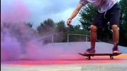 Eксплозия на цветовете - Скейтбординг на забавен кадър