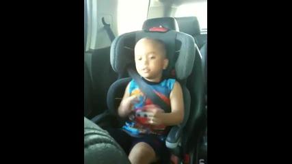3 годишно дете пее Baby на Justin Bieber