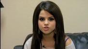 Зад кадър на на Selena Gomez - Falling Down + Превод