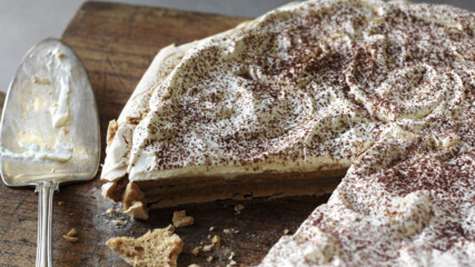 "Торта ""Павлова"" с вкус на капучино   Найджелисима   24Kitchen Bulgaria"