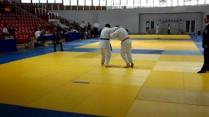 judo-направо късам а (от мен)