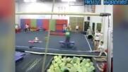 Гимнастици леваци - Гафове в гимнастическия салон