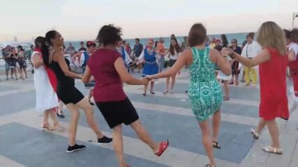 ''Опа, опа та бузуки'' пред моста в Бургас - 25 юли 2021