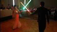 Битка с лазерни мечове вместо първи сватбен танц