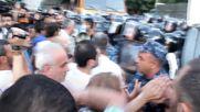 Armenia: Scuffles break on perimeter of Yerevan police station siege