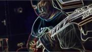 Иван Дракалиев свири на китара