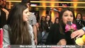 One Direction - Момичета се борят за целувка от момчетата в радио Nrj Франция