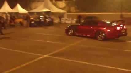 Toyota Supra си изкарва яда на паркинг