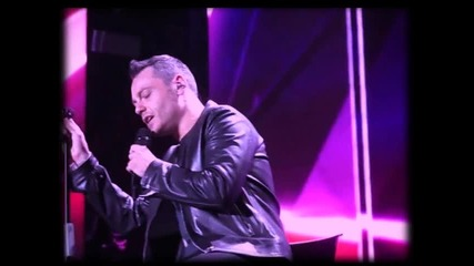 Tiziano Ferro - Lo Stadio (фен видео + Превод)