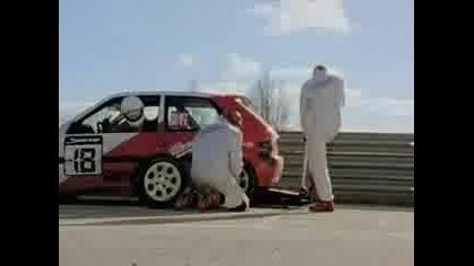 Смяна на гума - много смях