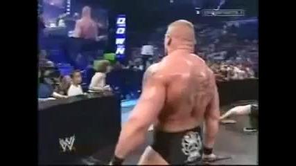 Леснар удря 18 годишно момче !