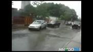 Спукан водопровод срещу кола