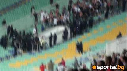 Меле между ултрасите на Стяуа и полицията