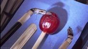 Хирургически робот прецизно зашива зрънце от грозде