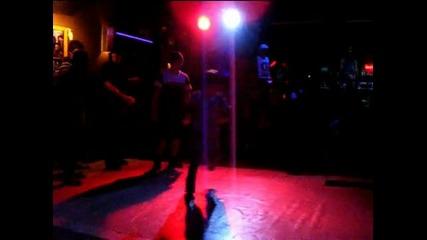 Деца танцуват хип поп удивително