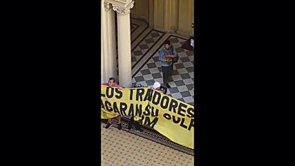 Argentina: Chaos in Casa Rosada forces impromptu suspension of Maradona wake