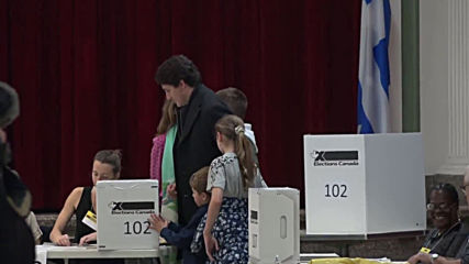 Canada: Trudeau casts his vote in Montreal amid tight election race