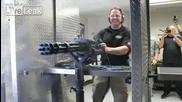 Ето на това му се казва сериозно оръжие! 90 патрона за 1 секунда как е а!?
