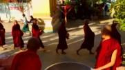 """Животът на децата будисти (""""Без багаж"""" еп.174 трейлър)."""