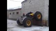 Руски автомобил катерещ стени и други препятствия.•смях.