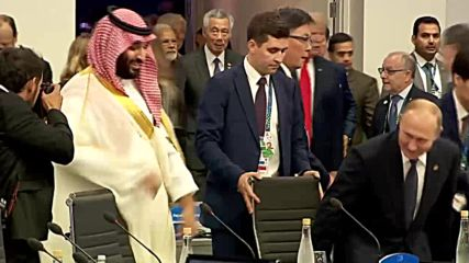 Argentina: Putin and Saudi's Crown Prince 'bro handshake' at G20