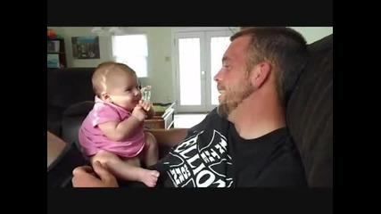 2 месечно бебе казва