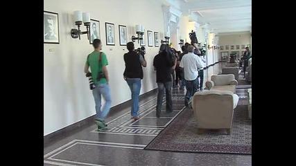Бързане за протоколни кадри в Министерски съвет