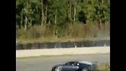 Тъпанар Се Блъска С Bugatti Veyron