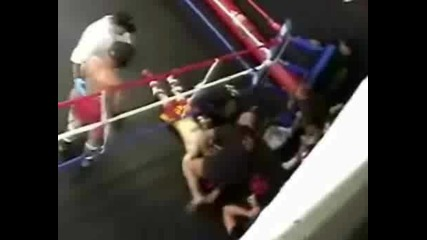 Този направо го изкара от ринга