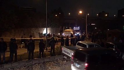 Египет: Трима загинали и 11 ранени при експлозия в автобус в Гиза