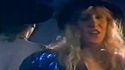 Вечна сръбска балада! Vesna Zmijanac i Dino Merlin - Kad zamirisu jorgovani (1988)
