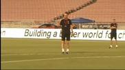 Манчестър Юн тренира под калифорнийското слънце