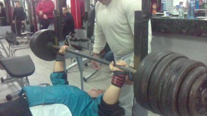 Кирил Михайлов 220 кг.