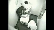 Пиянка в полицейски участък-смях ;d ;d
