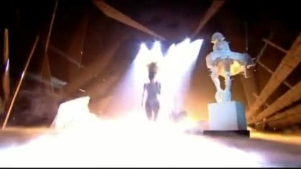 lady gaga - telephone (acoustic) & dance in the dark - brit awards 2010