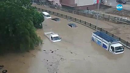 Седем души са в неизвестност след поройните дъждове в Турция