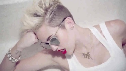 Miley_cyrus_-_we_can_t_stop_ofic