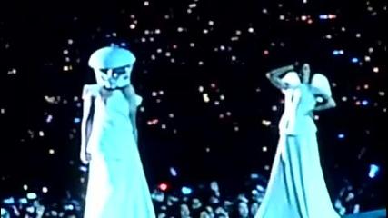 Лейди Гага - Кървавата Мери (на живо) Bornthis Way Ball