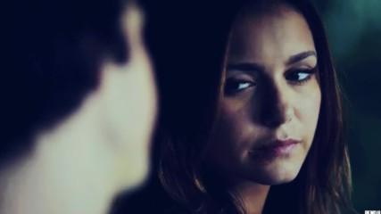Чувствам се толкова самотна + Damon & Elena