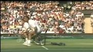Гледайте този възрастен тенесист как се прави на маймуна!