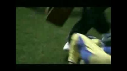 Футбола Е За Момичета :d Пробвай Ръгби Хяхяхихи ;d