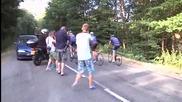 Ланс Армстронг участва благотворително на Тур дьо Франс
