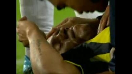 Вижте как бе нокаутиран Роберто Карлош !!!
