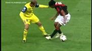 Роналдиньо срещу футболист на Киево