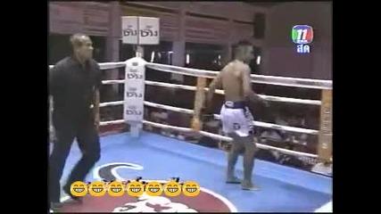 Голям смях на ринга...