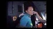 Стюардеса прави стриптийз в пилотската кабина