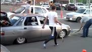 как се кара тунингована кола в Русия! Кажете ми сега, тия колко мозък имат в кратуните?!